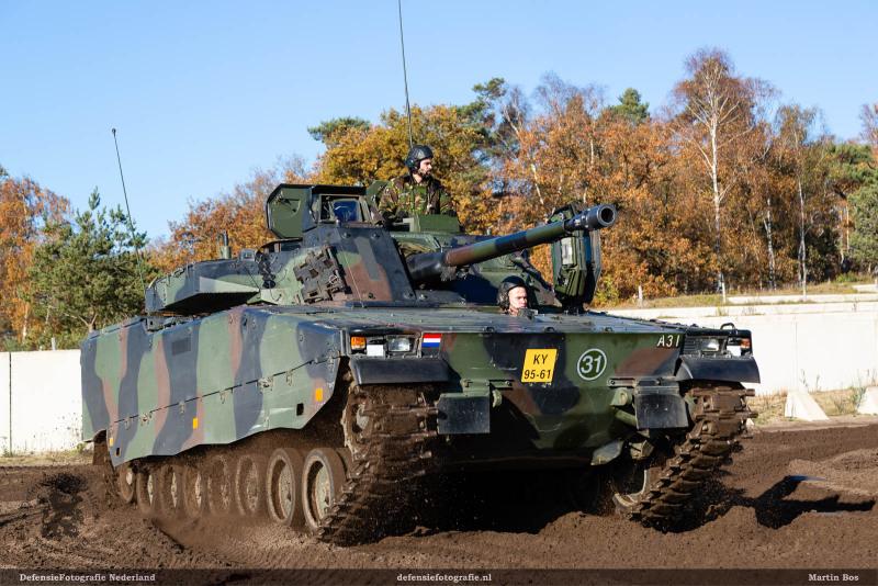 CV90 bij het NMM