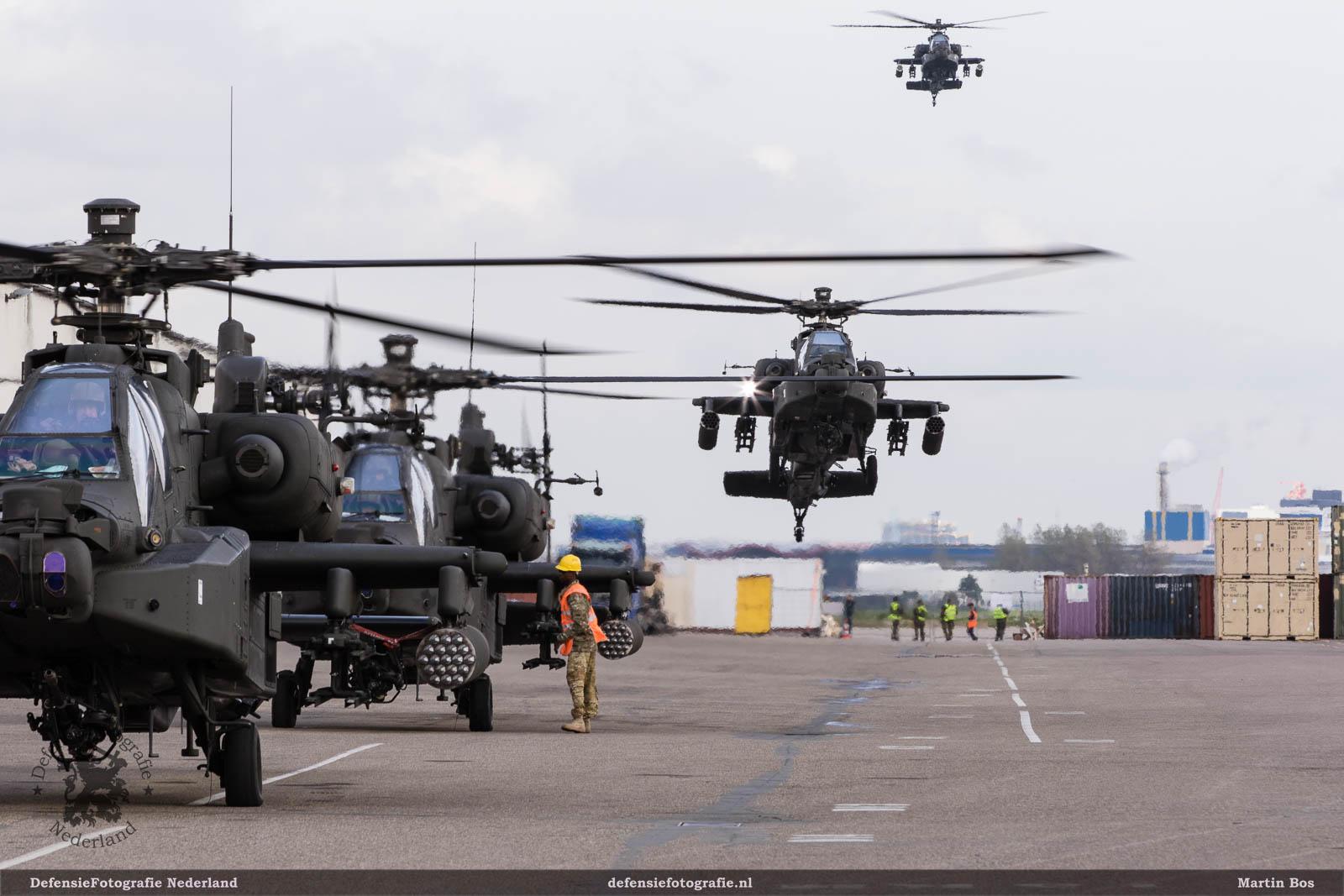 Aankomst AH-64D Apaches