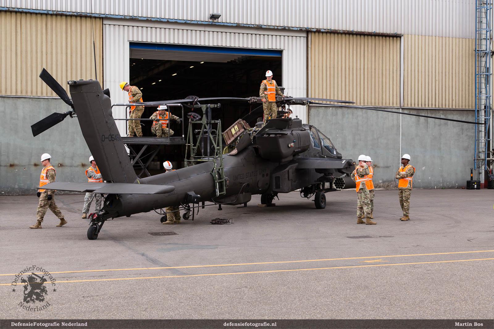 Gereedmaken transport AH-64D Apache