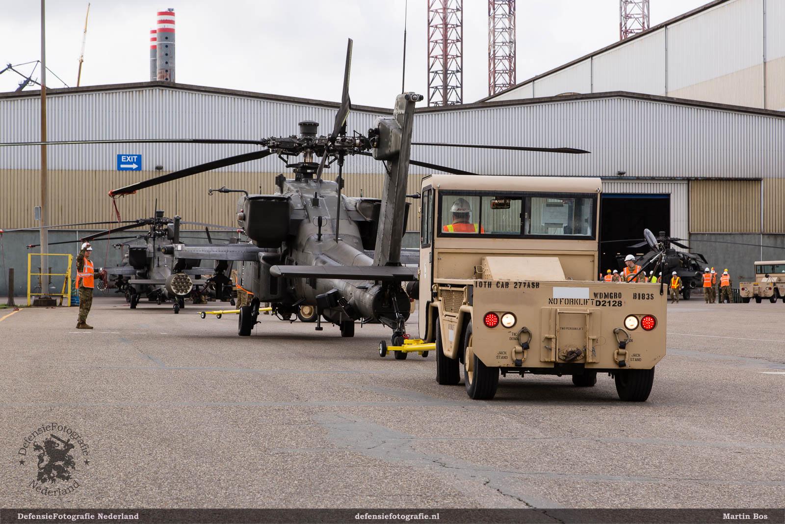 MT-3 verplaatst Apaches