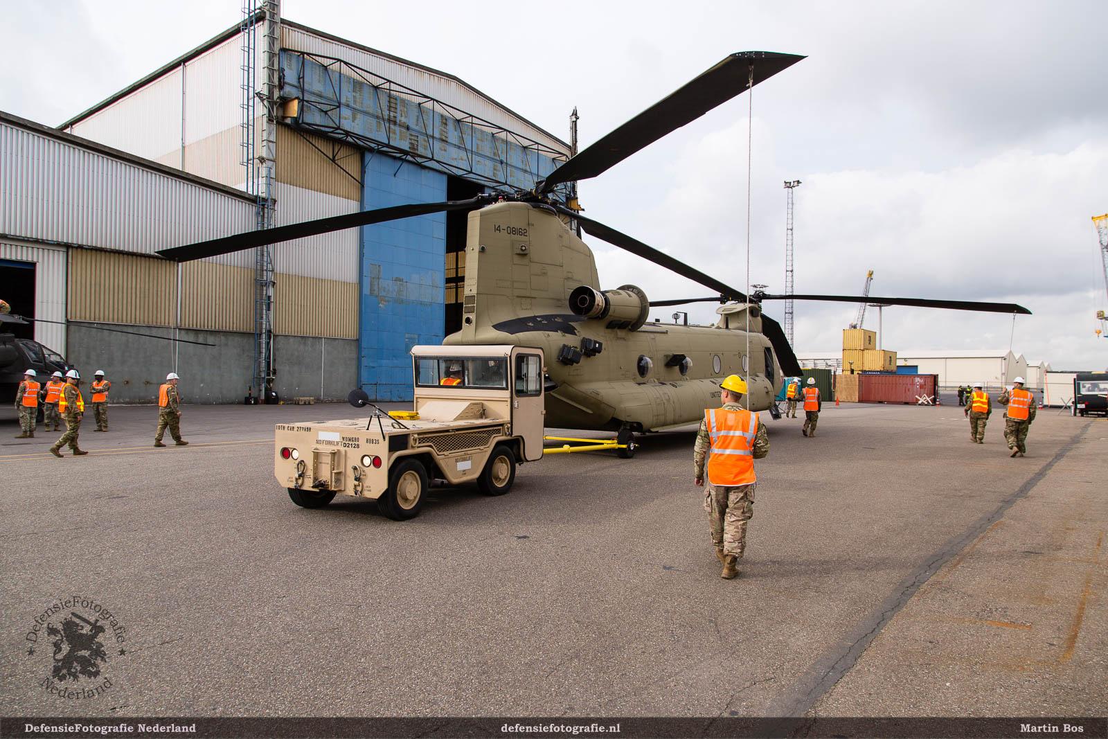 MT-3 verplaatst Chinook