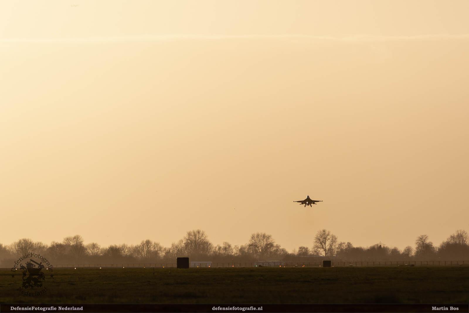 F-16 klaar voor de landing