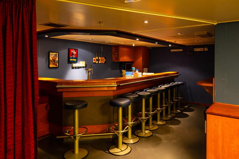 Ook een bar aan boord