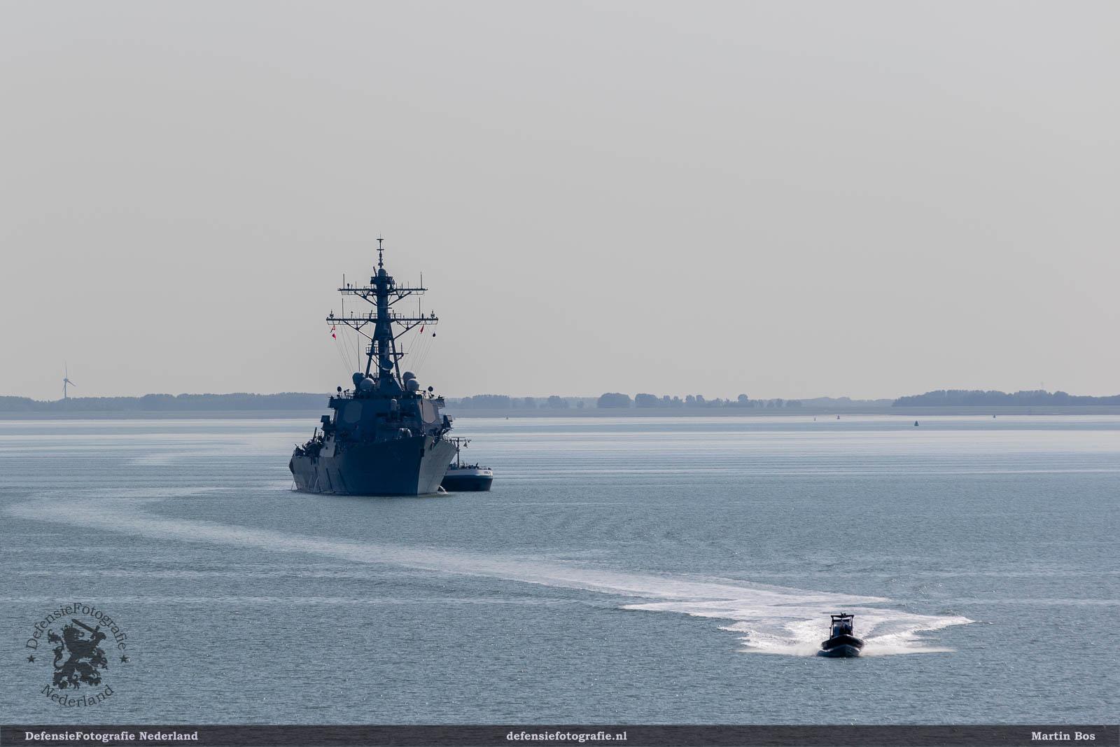 USS Ramage en RHIB