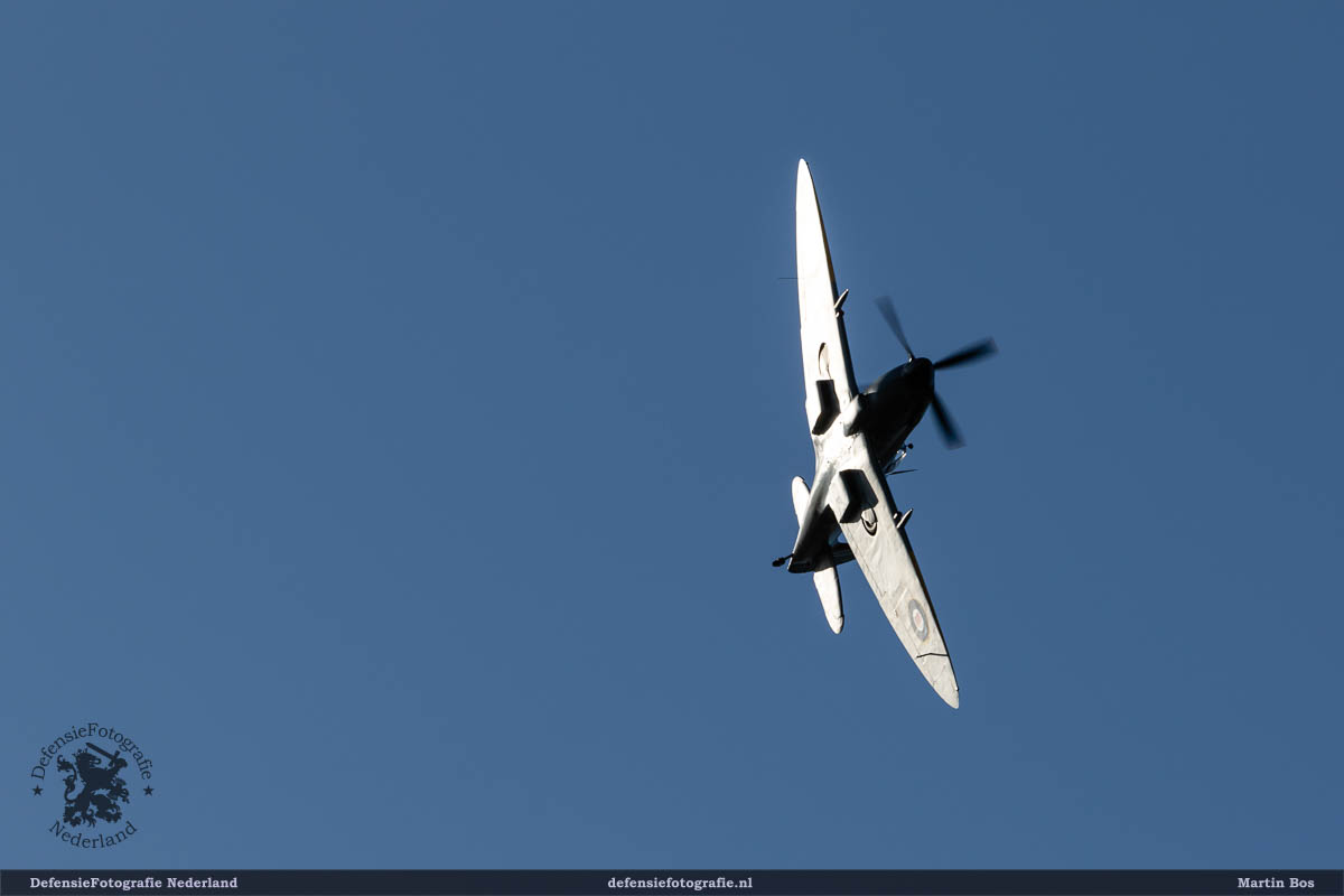 """Spitfire LF.Mk.XVI G-CKUE / TB885/3W-V"""""""