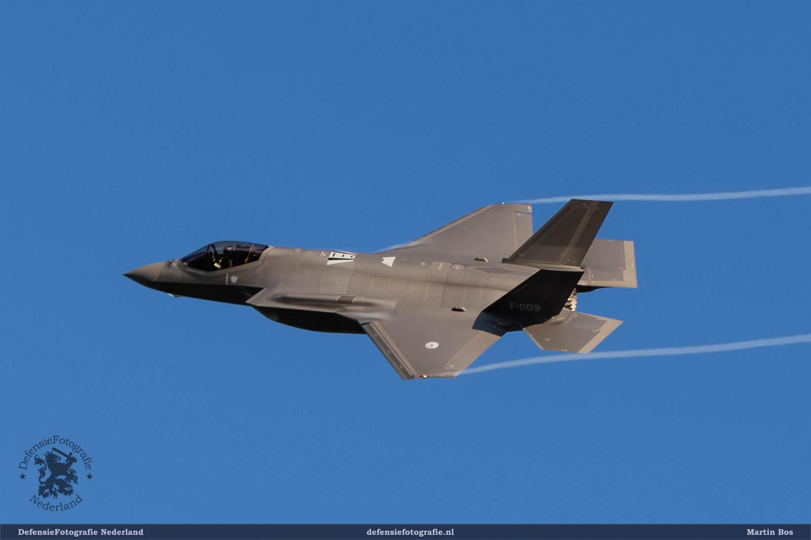 First Aircraft Arrival F-35: F-35 Lightning II (F-009)