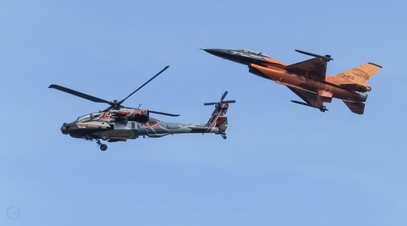 F-16 en Apache demo