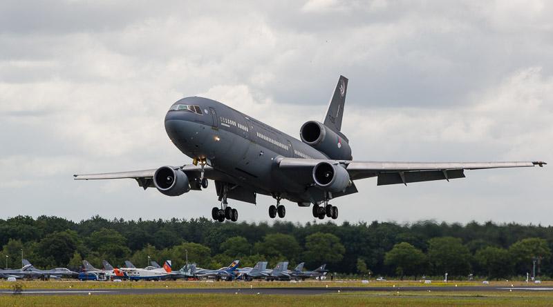 KDC-10 in de landing