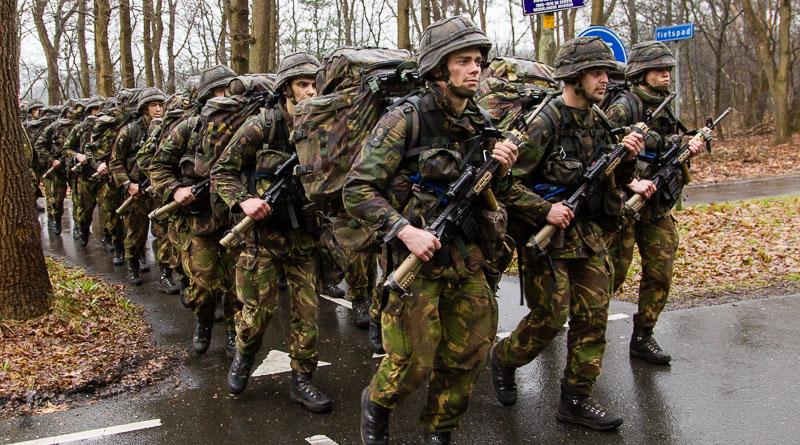 Marcherende militairen