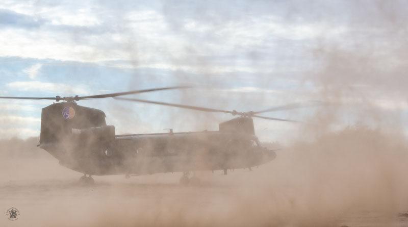 Chinook in het stof